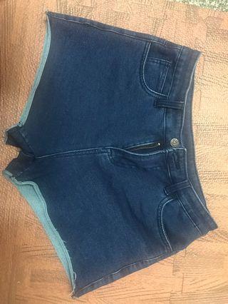 有彈性牛仔短褲🩳 L 八成新