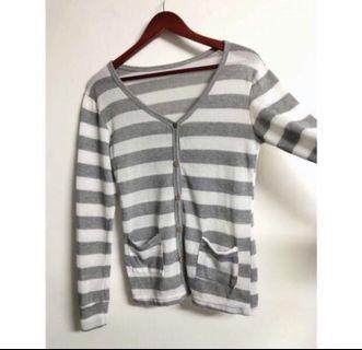 針織灰白長袖條紋外套  排扣長袖罩衫上衣