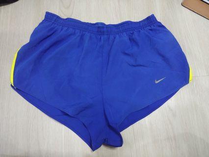 Nike Shorts P017