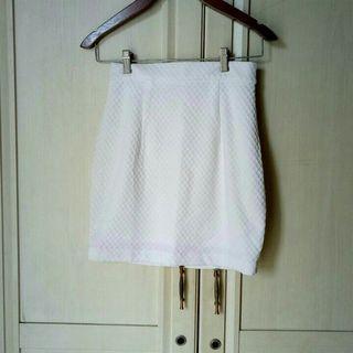 Broken White Bodycon Mini Skirt #Belanja0