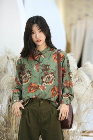 軍綠色短版襯衫