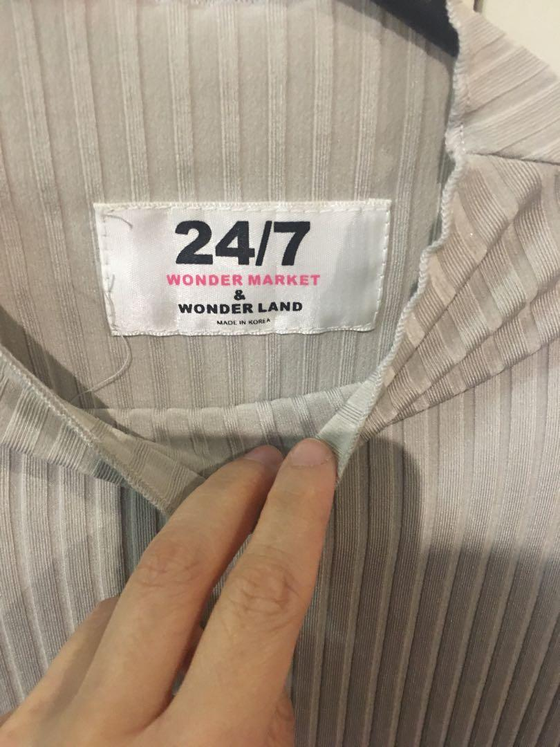24/7 Wonder Market & wonder land grey long sleeve elegant top