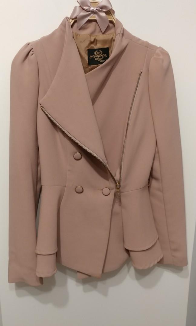 正韓 韓國製 9成新 粉杏色 挺版外套 西裝外套 多穿修身款 下擺波浪 傘襬 甜美實穿