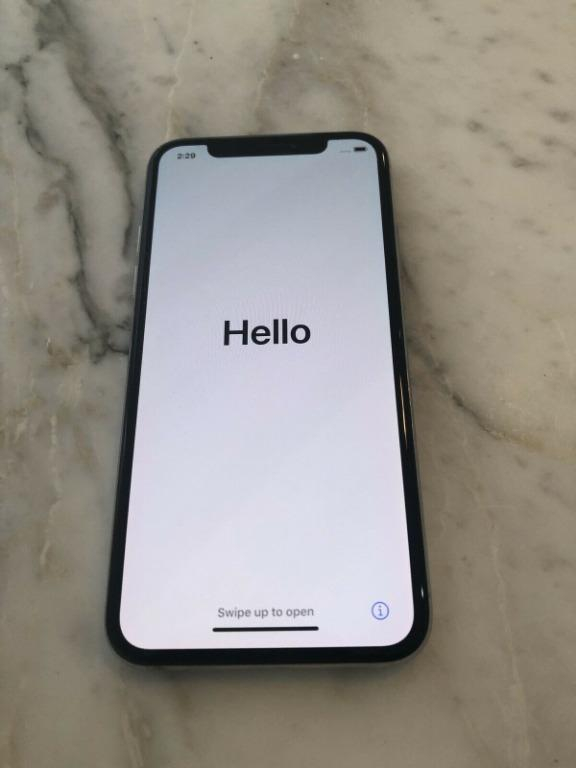 Apple iPhone X 256GB - Silver + HEAPS OF EXTRAS - EXCELLENT CONDITION