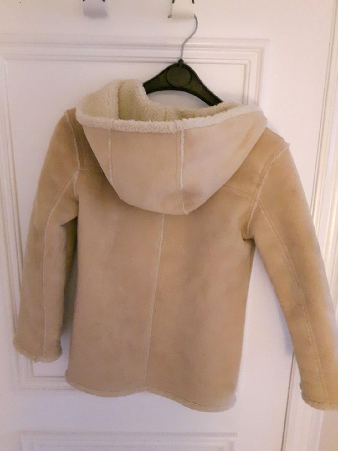 GAP FAUX SUEDE COAT S 10(ZIPPER, HOODIE and POCKETS- FULLY INSULATED SIZE L(10)