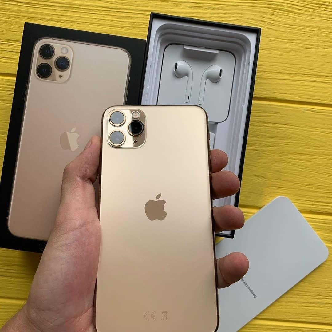 IPhone 11 pro max FS. Kindly inbox at 9893125857. Thanks