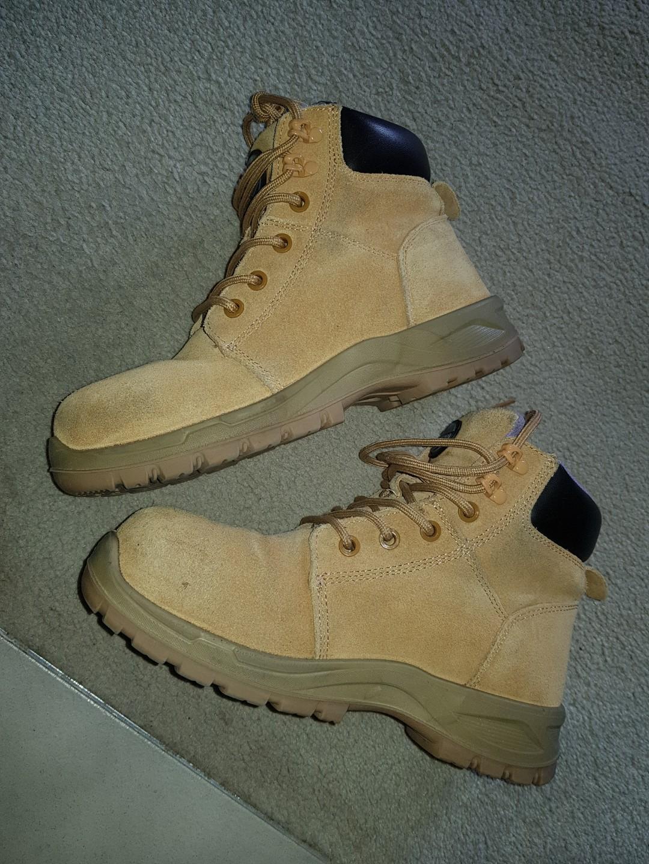 Jackaroo women's steel toe capped wheat boots Size 6AU