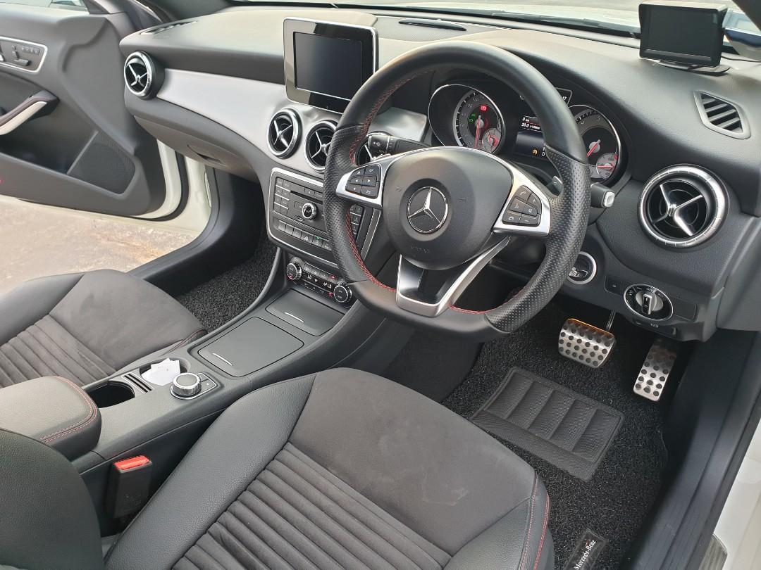 Mercedes-Benz CLA180 AMG (A)