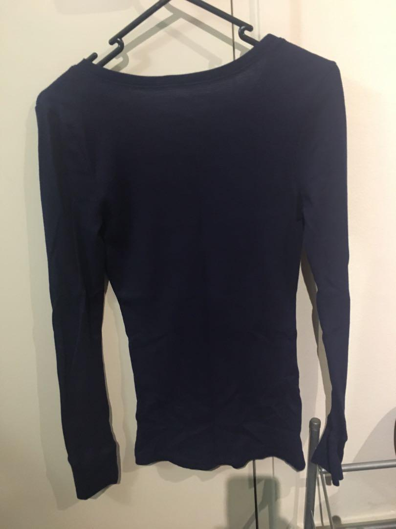Old Navy navy long sleeve cotton top (size small, new)