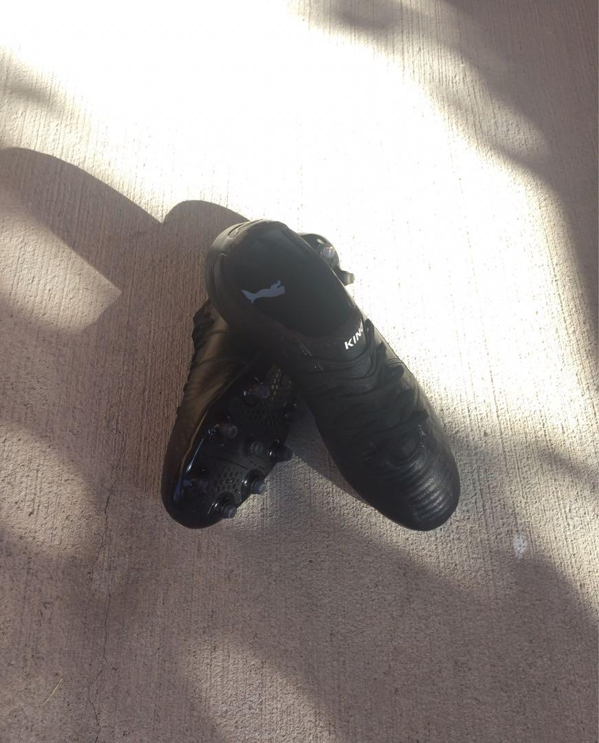 PUMA King Pro Football / Soccer Boots | Size 8 Firm Ground