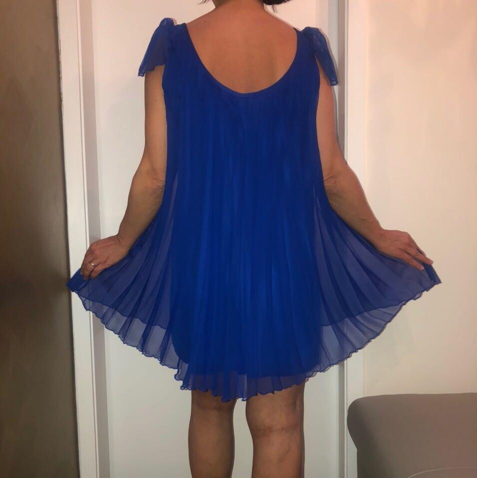 ROYAL BLUE FLOWY COCKTAIL/EVENING DRESS SIZE 8💙