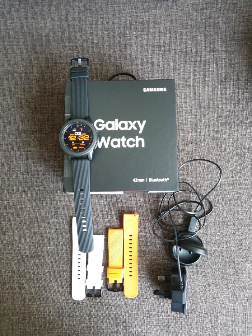 Samsung Galaxy watch 42mm with extra bands