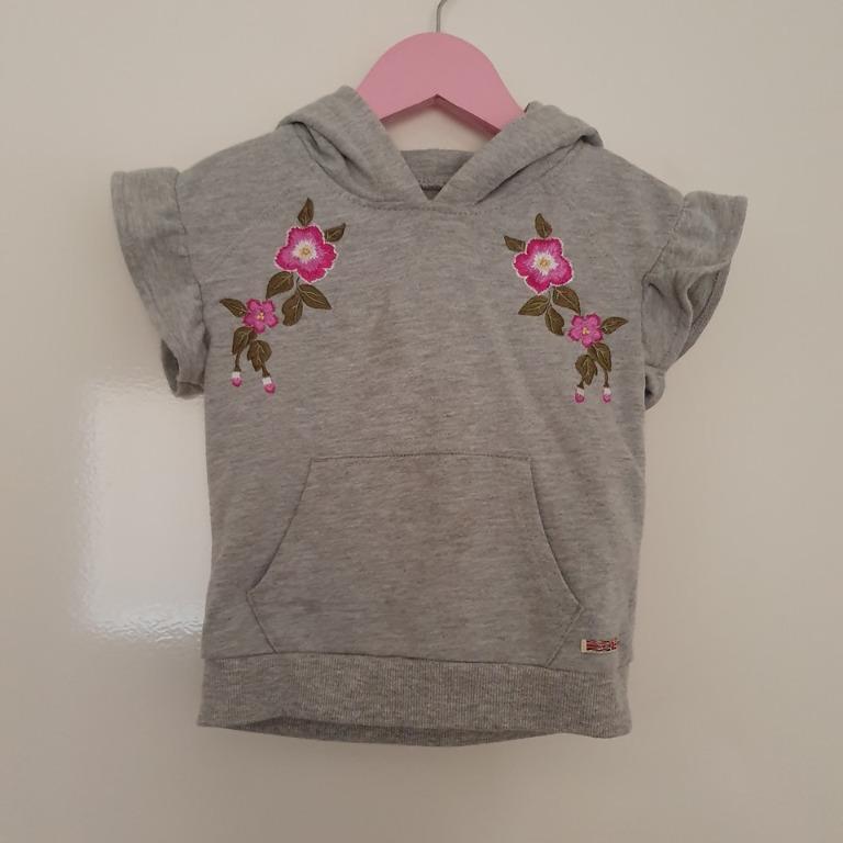 Size 3 Guc HUDSON hood grey fleece embroidered flutter sleeve vest