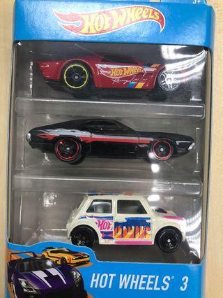 Hotwheels 3 car pack