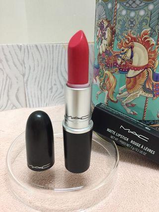 霧面明亮珊瑚紅 MAC唇膏Matte Lipstick #Hot Like Salsa