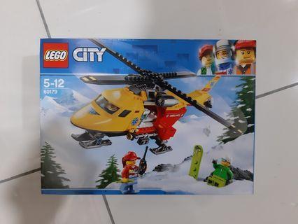 LEGO City 60179 AMBULANCE HELICOPTER - 2018 great vehicles bricks