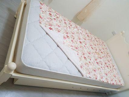客房床墊全新,家裡沒什麼客人,399賣出,需自取,土城