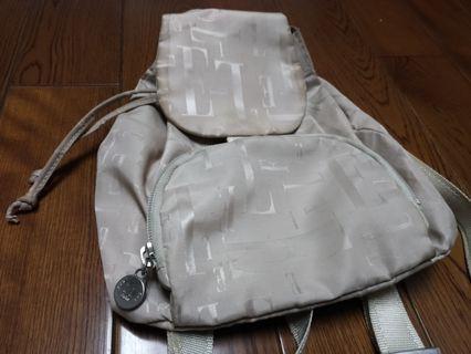 ELLE 米色後背包
