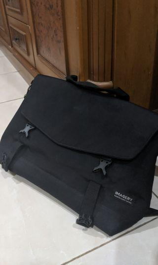 Imagery Bag messenger bag/ tas selempang hitam