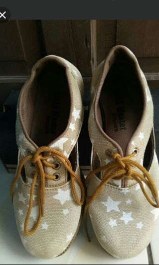 Sepatu style korea ala ala