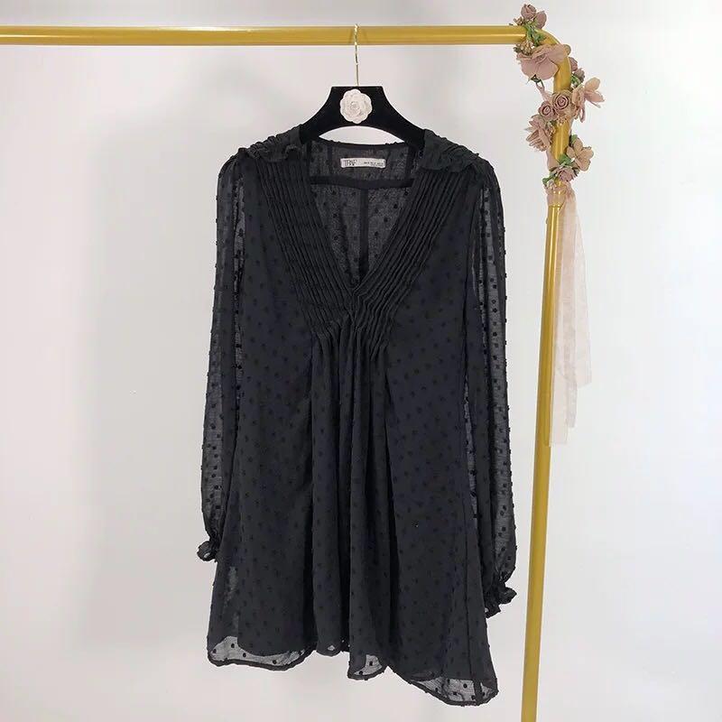 全新轉賣❤️ 歐美V領打褶薄紗洋裝 連身裙 點點薄紗 垂墜洋裝 Zara同款 h&m 性感 scrappy Koko