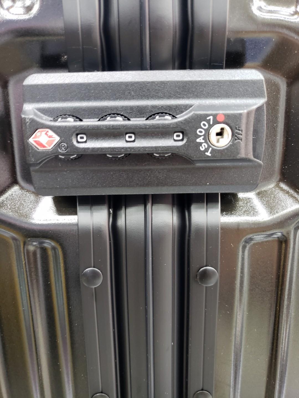 Hallmark輕飄飄鋁框行李箱