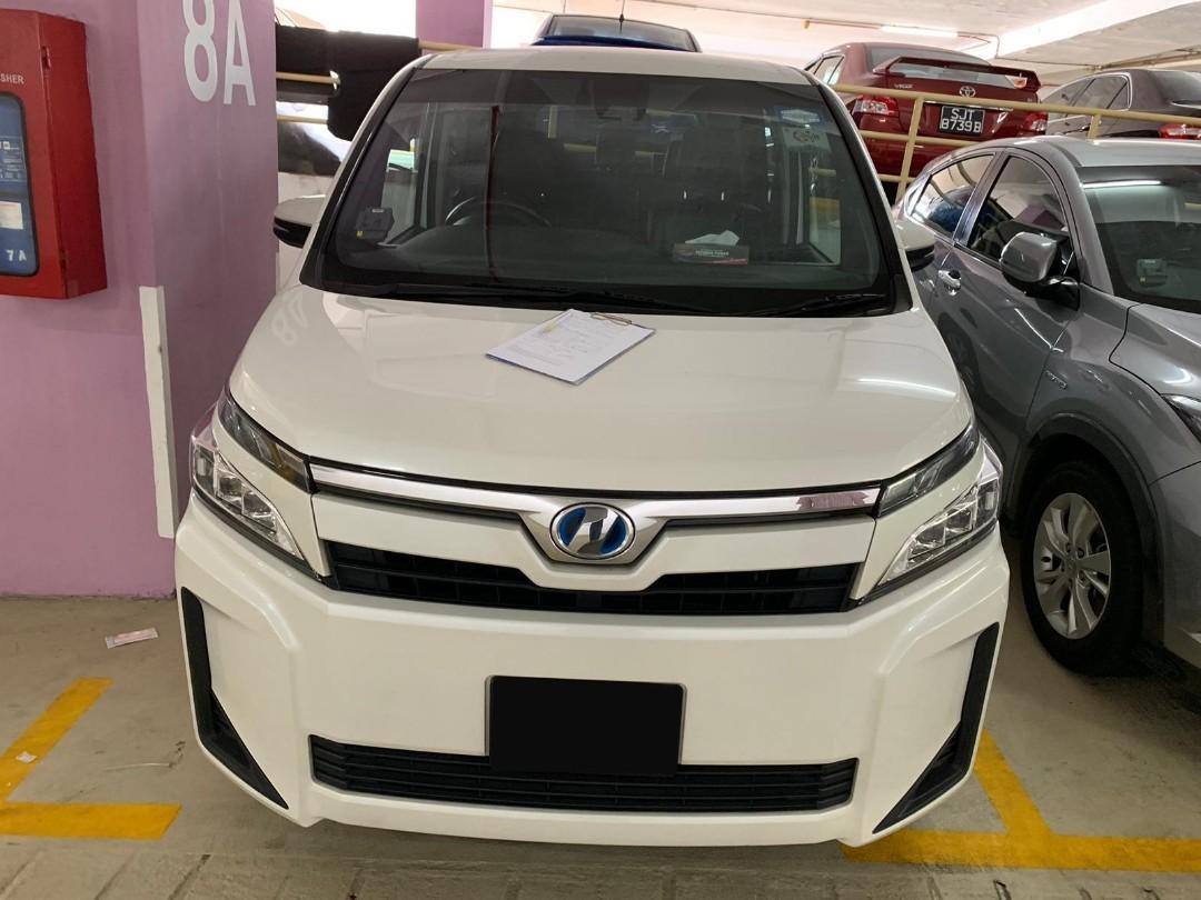 Toyota Noah (PHV / Personal Usage)