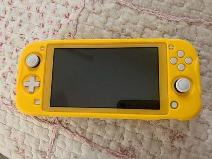 [LIKE NEW] Nintendo Switch Lite YELLOW