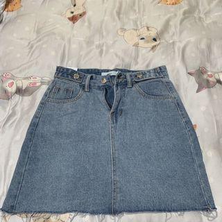 牛仔短裙s號(全新)
