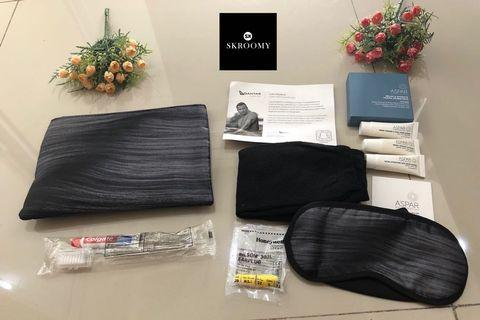 Amenity Kit Black Art by Qantas Airlines