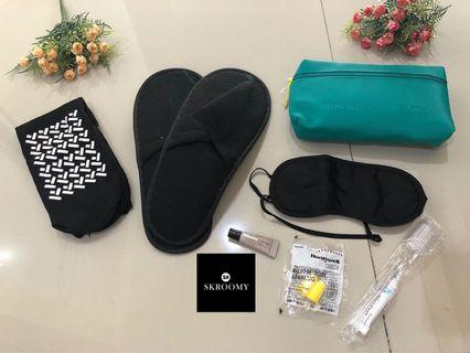 Amenity Kit Mandarina Duck by Turkish Airlines colour Green