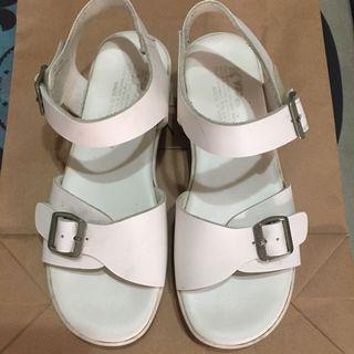 二手白色涼鞋