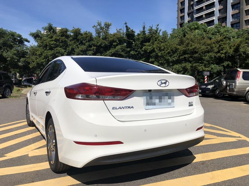 2017 HYUNDAI ELANTRA  1.6柴油 加裝安桌機 一手男用