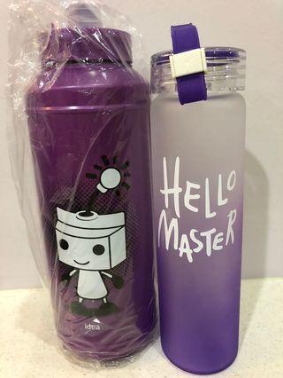 2 water bottles (1 plastic + 1 glass)