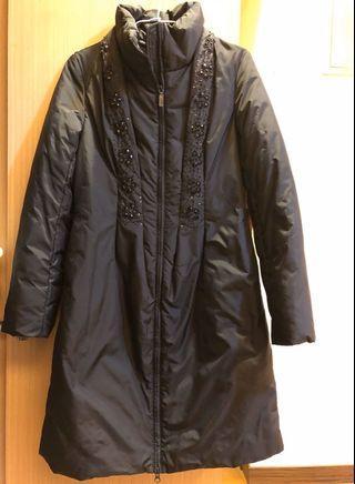 鑲珠黑色長版外套