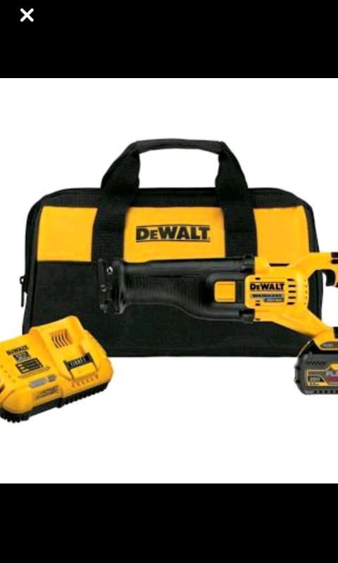 Dewalt Flexvolt Sawzall with bag charger and battery.