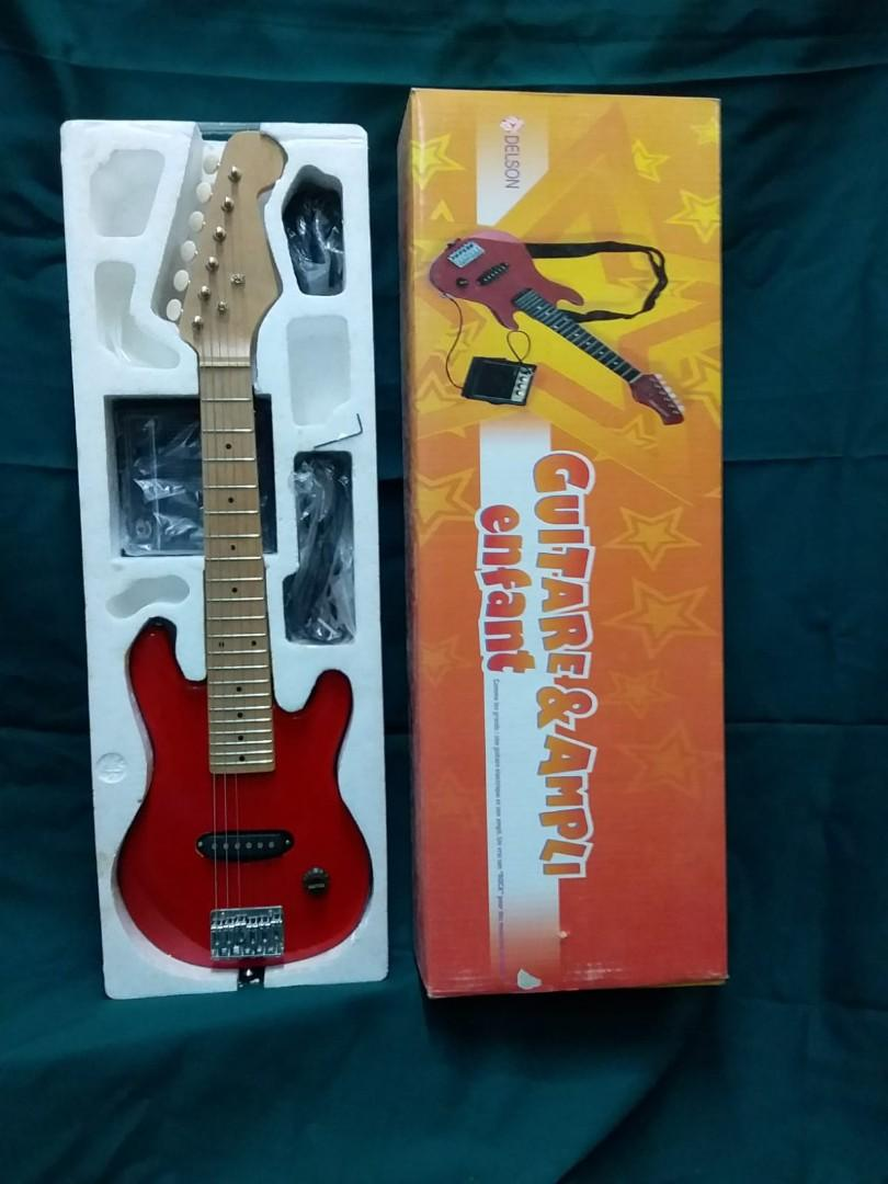 Child Sized Electric Guitar w/ Amp 小童電結他