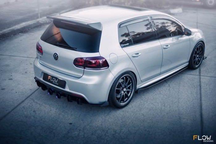Volkswagen Golf 2.0 R TSI DSG (A)