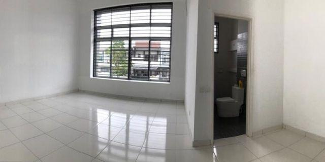 Double Storey Bukit Indah Zon 7 / 4beds / partially / 1680