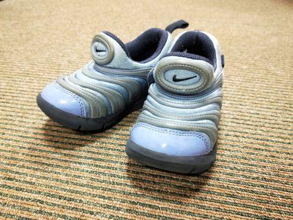 Nike藍紫色 毛毛蟲鞋 15cm