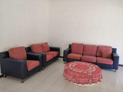 Double Storey / Bukit Indah / 4 beds / partially / 1800 / house for rent