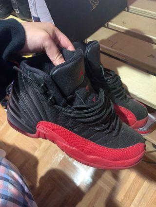 Flu game 12s size 4Y