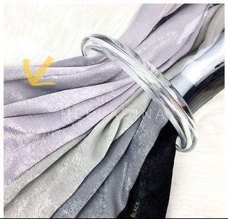 Heeladina classic velvet shawl