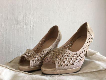 Heels sepatu zara