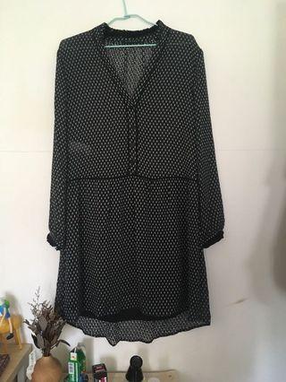[Benetton]  黑色蕾絲洋裝/外罩