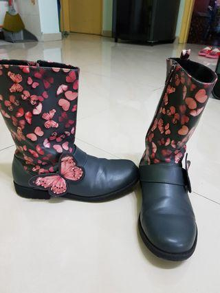 H&M Boots winter girl
