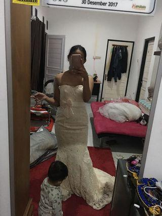 Wedding dress krem