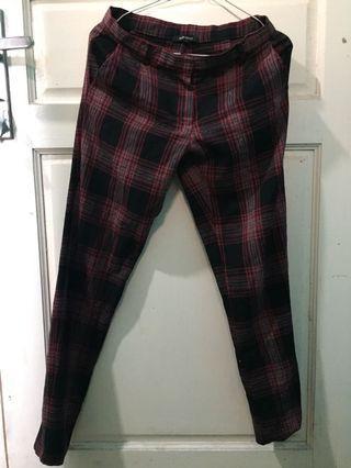 Tartan Pants Red Celana Panjang Merah Kotak-kotak Hitam size S Berrybenka label