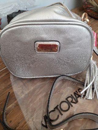 Victoria secret slingbag silver