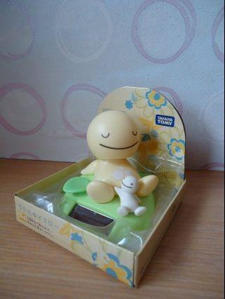 (全新)太陽能療癒可愛微笑點頭娃娃